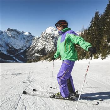 Skier skiing