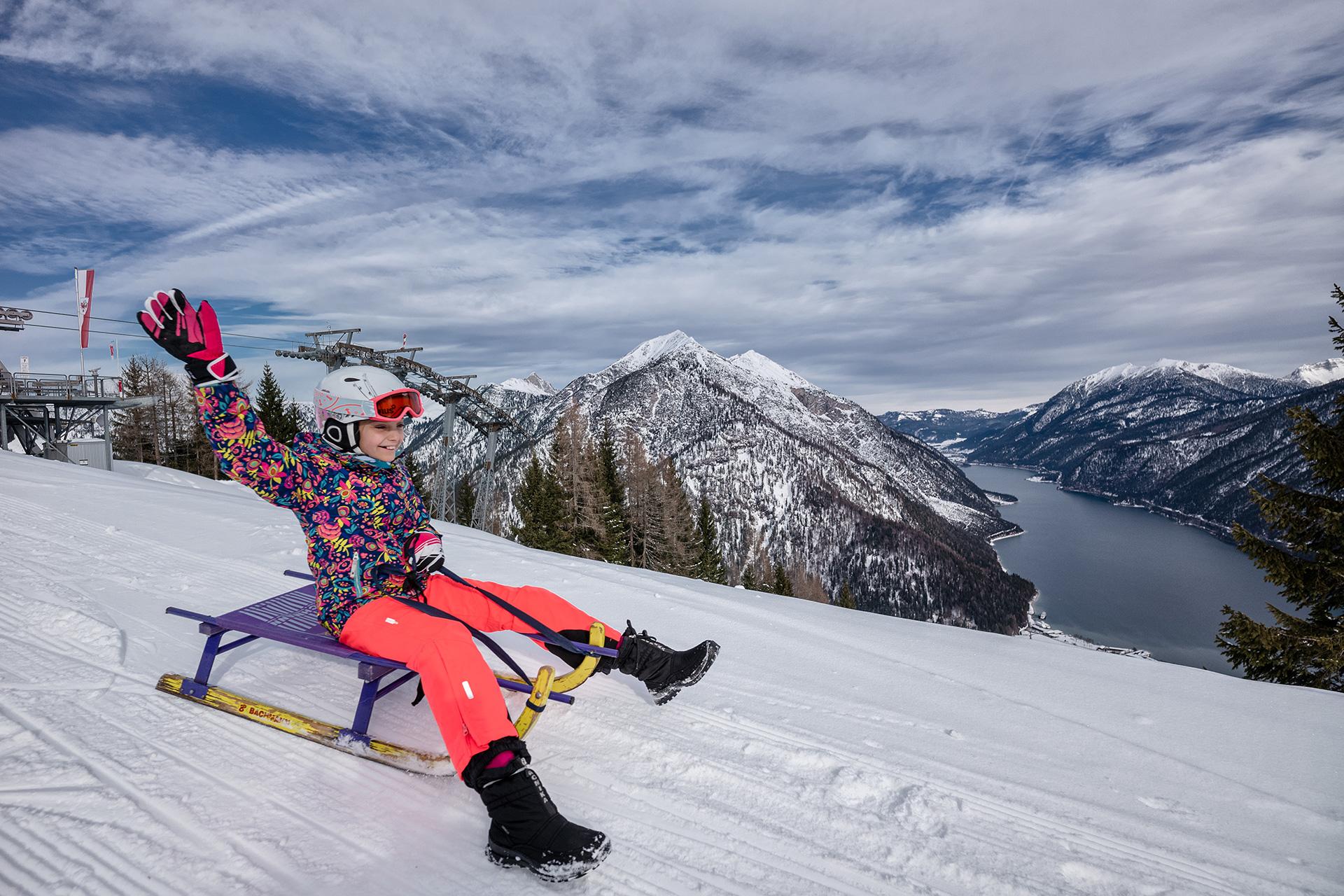 Rodeln im Tiroler Oberland - Winterspaß für die ganze Familie